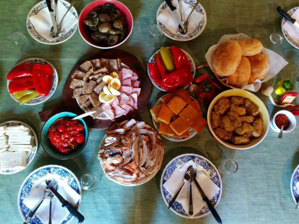 Uzivajte u tradicionalnim jelima...