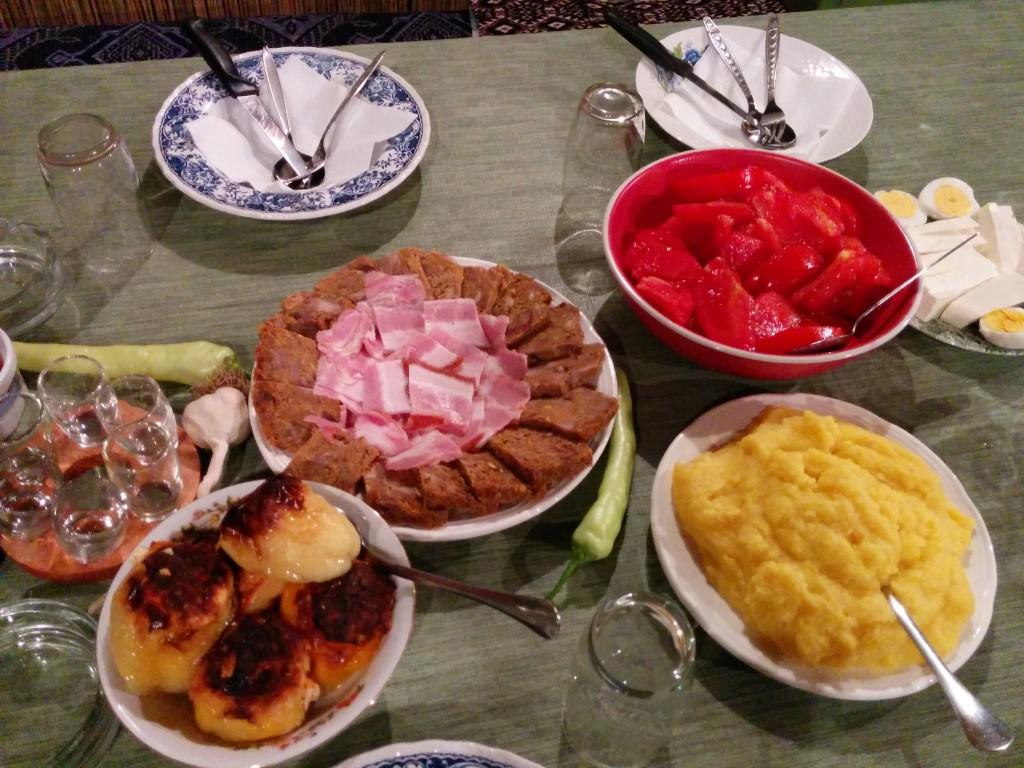 Uživajte u tradicionalnim jelima... (Dalje)